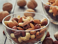 Nuts provide a number of benefits for people with diabetes