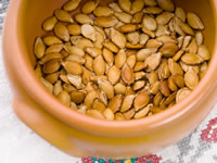 Low carb snacks such as pumpkin seeds are kinder to blood sugar levels
