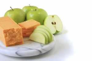 low-carb snack cheese apple