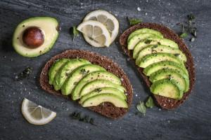 low-carb snack avocado